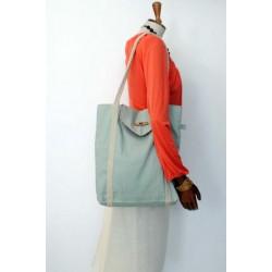 A&M handmade handbag light green
